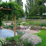 Cottage tuin met zitkuil
