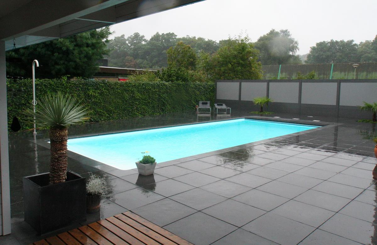Modern zwembad hoveniersbedrijf de ginkgo - Klein zwembad in de kleine tuin ...